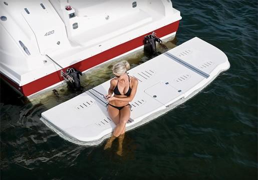 2012 Chaparral 420 Premiere Sport Yacht SwimPlatform 11