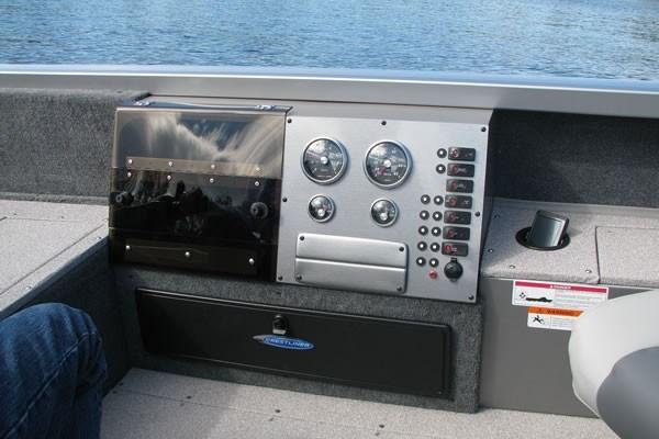 Crestliner 1850 Pro Tiller Console