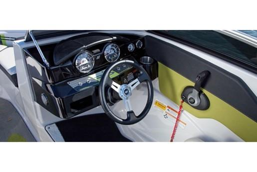 fourwinns horizon 190RS steering controls
