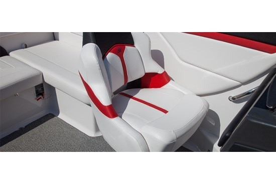 fourwinns s235 sundowner cuddy seat