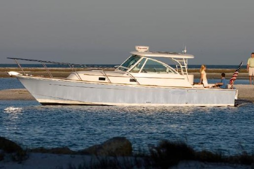 2010 Hunt Surfhunter 33 Cruisers Boat Review Boatdealers Ca