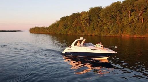 Larson Cabrio927 Cruise