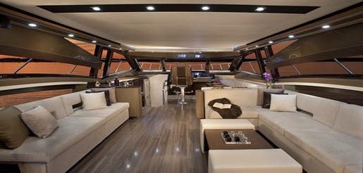 Marquis 630 Sport Yacht 630 Salon Forward