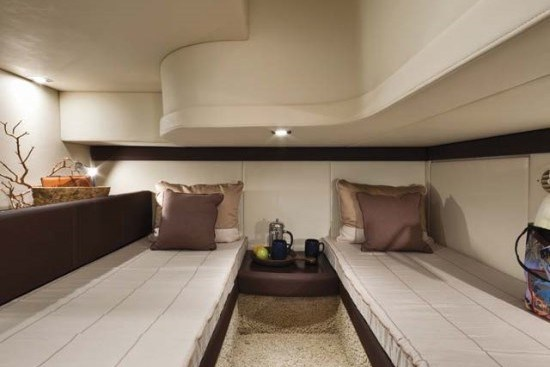 meridian yacht 341 twin beds