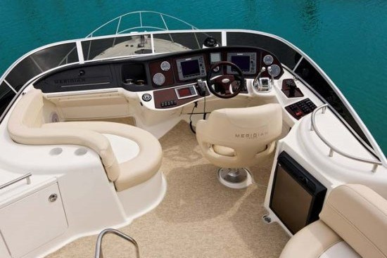 meridian yacht 341 upper deck