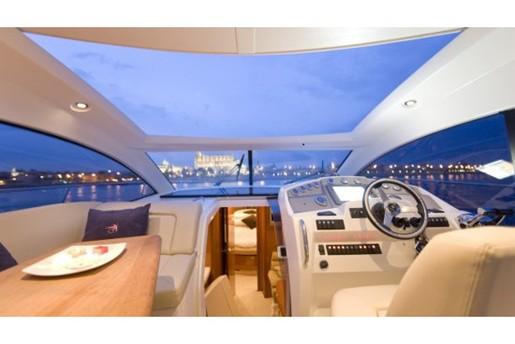 prestige yacht 390 s helm view