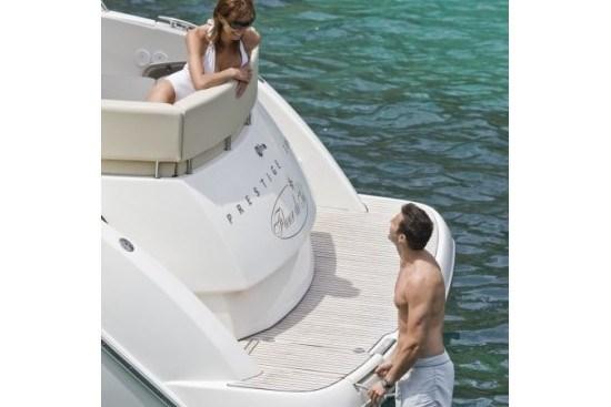 prestige yacht 390 s swim platform