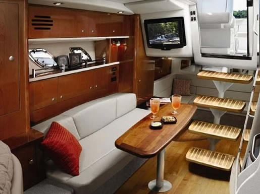 SeaRay 330 Inside