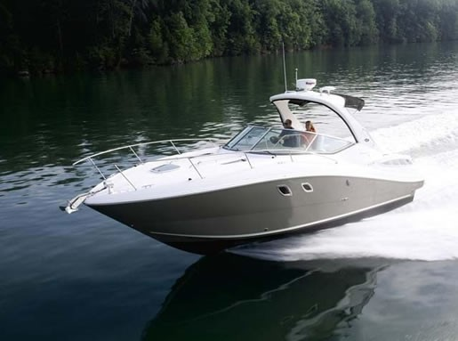 SeaRay 330 Running