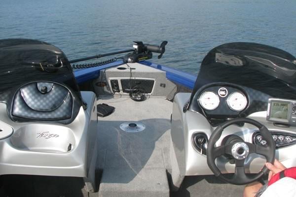 Tracker Targa V18 Bow