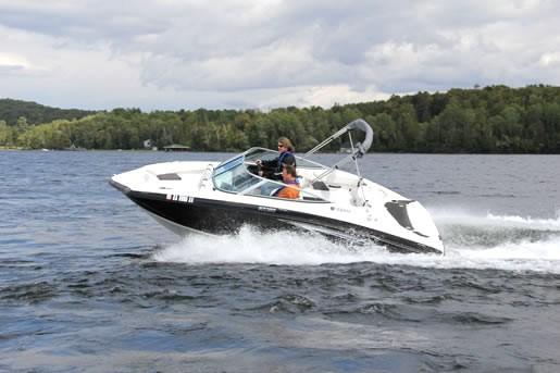 2012 yamaha sx190 sport boat jet bateau critique du bateau for Yamaha boat reviews