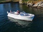Vanquish Boats 26DC 2017