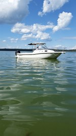 2011 Boston Whaler 235 Conquest