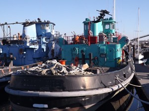 Ex Navy Harbor Tug Ex Navy 2000 hp Harbor Tug 1974