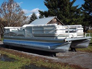 Riviera Cruiser 22 Pontoon 2000