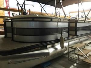 Cypress Cay Seabreeze 230 TriToon 2016
