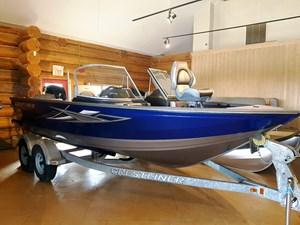 Crestliner 1850 Super Hawk 2017
