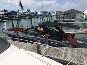 Cruisers Yachts 338 SOUTH BEACH 2017