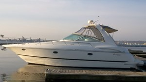 Cruisers Yachts 3672 Express MC 2000