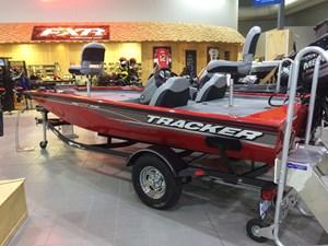 Tracker PRO TEAM 175 TXW 2017