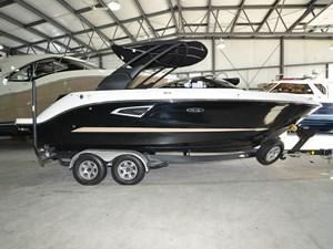 Sea Ray SLX 230 2017