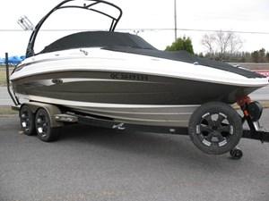 Sea Ray 220 SUNDECK 2012