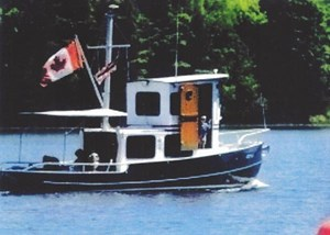 Custom Steel 27 Tug with Trailer 2004