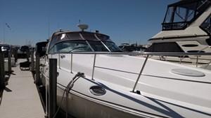 Cruisers Yachts 4270 2000