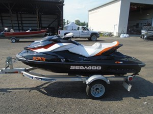 Sea-Doo GTI SE 130 with Trailer 2011