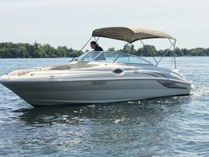 Sea Ray 240 Sundeck 2002