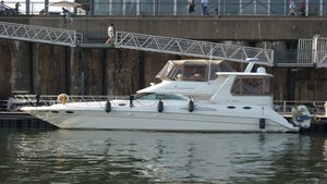 Sea Ray 42 Motor Yacht 2000