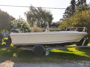 Sportcraft 20 Center Console with Trailer 1982