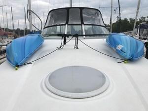 Cruisers Yachts 3075 Rogue 1999