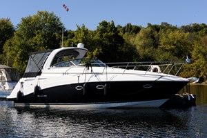 Rinker 350 Express Cruiser 2008
