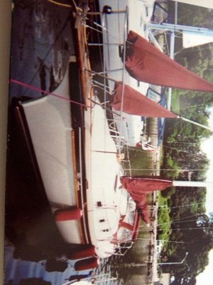 Bayfield Boat Works Bayfield 32C Tall Rig, Cutter 1987