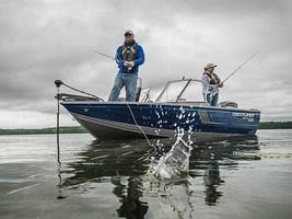 Crestliner 1650 Fish Hawk Side Console 2018
