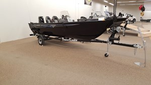 Crestliner 1650 Discovery Side Console 2018
