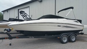 Sea Ray 220 SUNDECK 2016