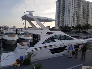2022 Cruisers Yachts 54 Cantius FLY