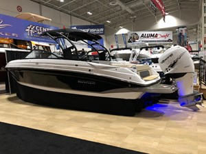 Rinker Q7 Outboard 2018