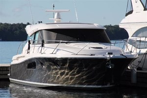 Tiara Yachts 44 coupe 2015