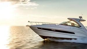 Cruisers Yachts 38 Express 2018