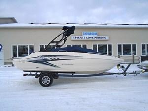 192 SC Deck Boat Stingray 2018