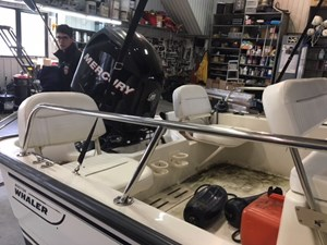 BOSTON WHALER MONTAUK 2007