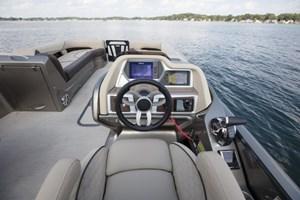 MANITOU 27 Legacy LT SHP 575 Dual Engine / 165$/sem 2018