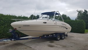 Rinker Captiva 232 Cuddy 2001