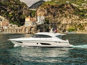 Riviera 4800 Sport Yacht 2019