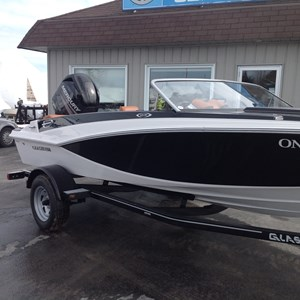 glastron gts 160 close bow 2012