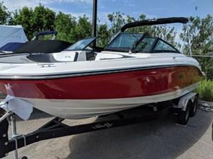 Sea Ray SPX 210 2018