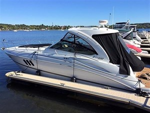 Cruisers Yachts 380 Express 2012